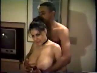 오쟁이 진 남편 아내: 무료 아마추어 포르노를 비디오
