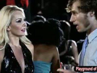 Sexy blondýnka kotě aaliyah láska zkurvenej a nerd v the klub