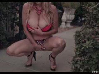 Kelly madison wants ty do appreciate jej fabulous piersi