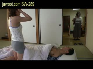 Sairas aviomies saada parempi seksi