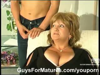 Grăsuț matura inpulit de asiatic guy