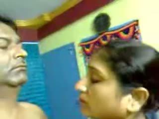 सेक्सी होममेड इंडियन मेच्यूर हेरी कपल सेक्स ब्लोजॉब mms