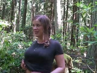 Cheerleader im die woods