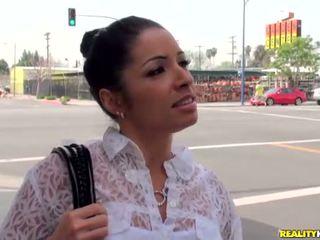 Lotynų amerikietė pupytė su gražus šypsena monica santhiago