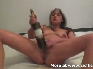Brutální fisting a víno bottles provést ji prcek