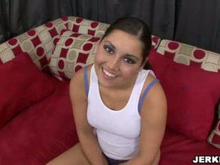 단 sexually excited emma cummings 전시 떨어져서 그녀의 sporty curves