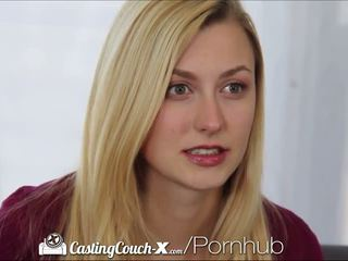Casting couch-x blondine cheerleader shows af op camera