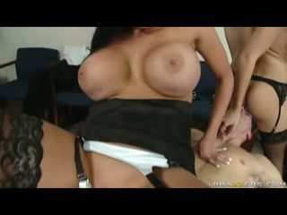 Fleshly audrey bitoni cant live without to see alettas hole getting plowed by a huge kontol