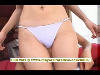 Maria ozawa ay a Mainit asyano dalaga who enjoys Mainit partying may guys
