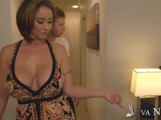 Bigtitted mum eva notty making liefde