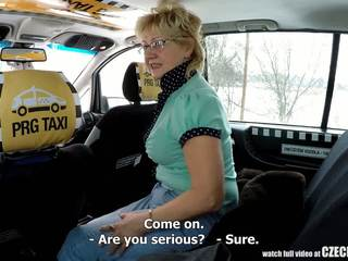 Tšekki läkkäämpi blondi nälkäinen varten taxi drivers kukko: porno 99
