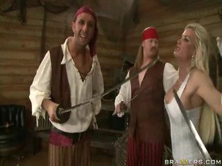 Sebuah kings wife down onto the pirates sangat besar daging sword