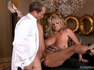 Dong Loving Kelly Madison Acquires A Mouth Full Off Cock
