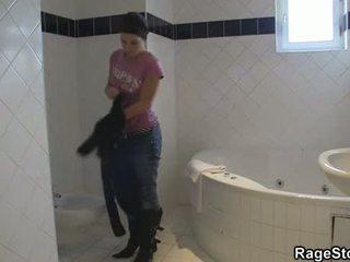 強 口交 和 他媽的 後 淋浴