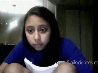 Muda latina fingers diri di kamera -more cams di soiledcams.com