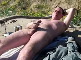 Довго slow пеніс шоу на публічний пляж