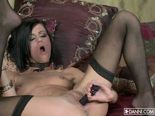 Lusty ホット 淫乱な女 addison rose inserts a おもちゃ で 彼女の タイト 尻 と loves それ