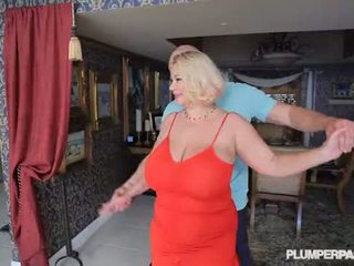 Rondborstig slet milf samantha 38g fucks hogeschool dance instructor