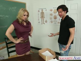 Nešvarus mokytojas sarah vandella šūdas į klasė