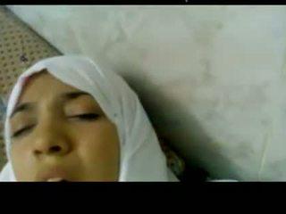 Wonderful egiptietiškas arabic hijab mergaitė pakliuvom į ligoninė -
