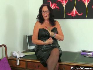 Britanic matura secretaries lulu lush și zadi stripping