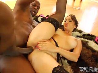 Anal loving asiatic takes o negru pula