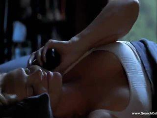 Charlize theron khỏa thân
