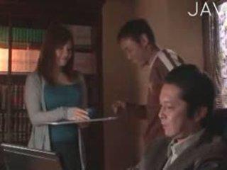 realita, japonec, veľké prsia