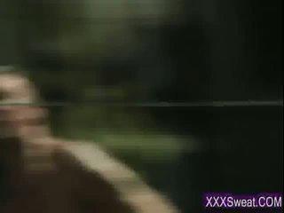 Zelo seksi rjavolaska pilot getts a težko tič