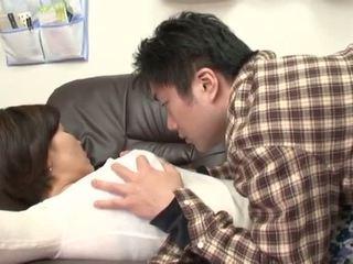 Borracha japonesa madre gets abuso por su chico