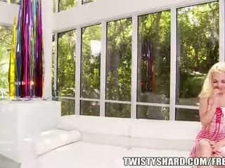 Aaliyah liefde gets naar kiezen die haar eerste jongen meisje scène wil zijn met