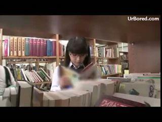 女学生 钻 由 文库 geek 01