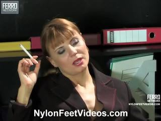 戀足, 放養的性, nylons feet