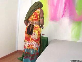 Bello indiano moglie succhiare muscle pene