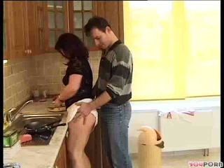 Morena miel gets un cooking lesson 1/5