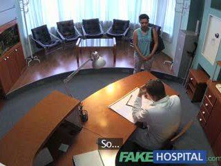 Fakehospital patient overhears doktor ficken krankenschwester dann fucks ihm zu