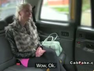 Rinnakas soome blond bangs sisse taxi