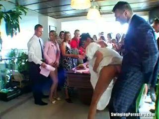 زفاف whores are سخيف في جمهور
