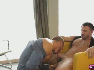 Pasionante anale seks në the mëngjes