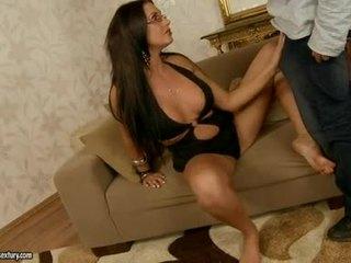 Seksi seductive emma pantat fills dia mulut dengan an mengagumkan stiff jock