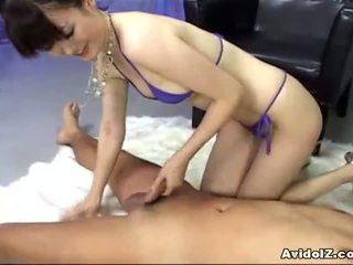 יפני, בנות אסיאתיות