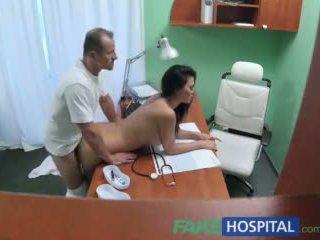 Fakehospital lääkäri fucks porno näyttelijätär yli kirjoituspöytä sisään yksityinen clinic