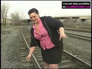 อ้วน เจ้าหญิง gets นู้ด บน railway