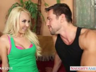 Секси блондинки aaliyah любов смуча и майната а голям чеп