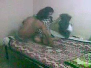 Innocent näköinen bengali gf getting perseestä mukaan hänen bf