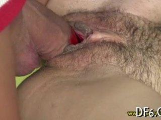 Penis Di Belahan Dada