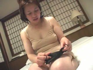 Porner premium: miang/gatal matang warga jepun babe melancap pada camera