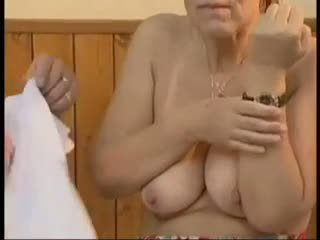 vanaemad, vana + young, näo