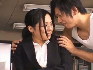 Sora aoinaughty asiatique secrétaire enjoys getting baisée à pause temps
