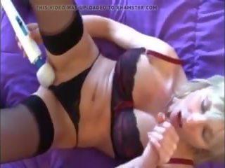 Spielend mit mama auf bett pov, kostenlos reif porno video 16